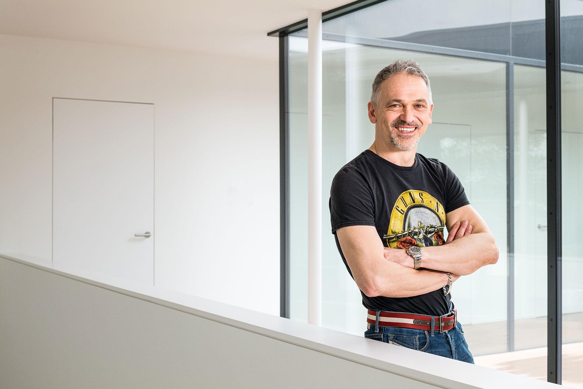 Dr. Sven Egger